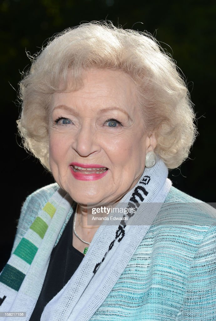 "Betty White ""White Out"" Tour At The Los Angeles Zoo With The Lifeline Program"