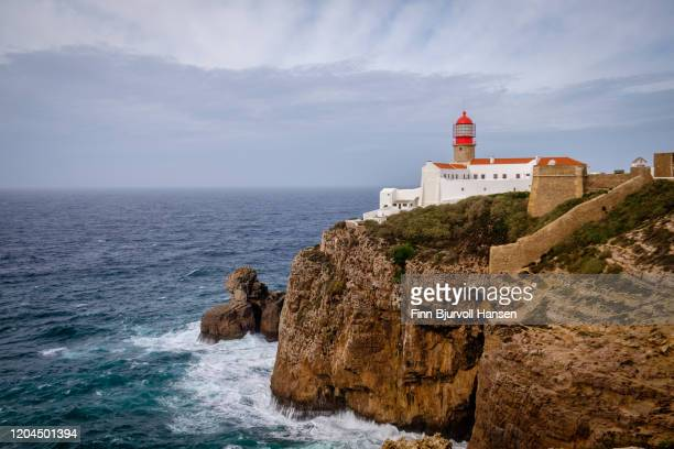 the lighthouse at cabo sao vicente in sagres portugal - finn bjurvoll stock pictures, royalty-free photos & images