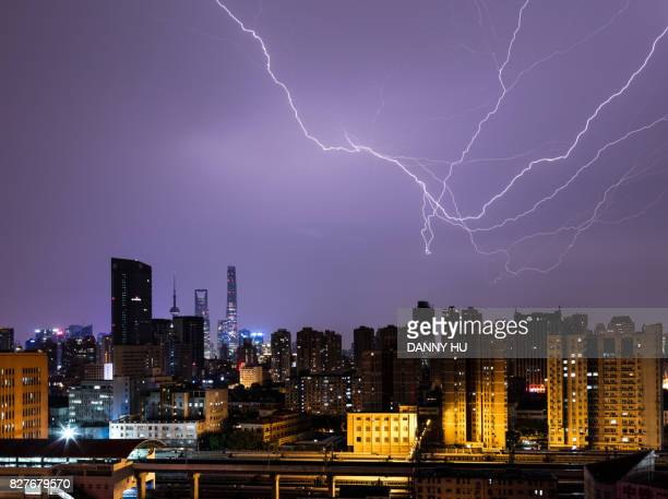 the lightning hour in Shanghai