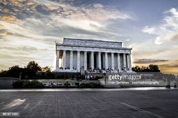 the lincoln memorial at aunset - lincoln memorial stock pictures, royalty-free photos & images