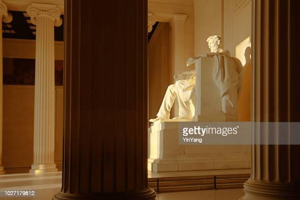 the lincoln memorial with president lincoln statue in washington dc - washington dc stock pictures, royalty-free photos & images