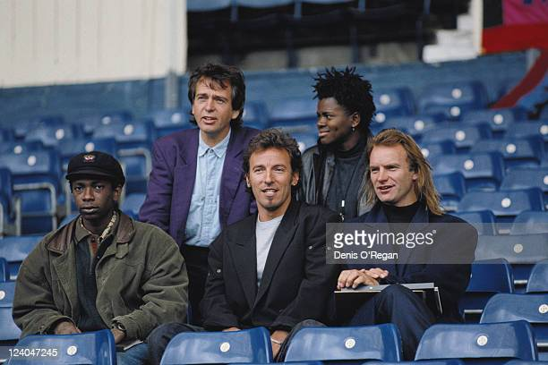 The line-up for the Human Rights Now! benefit concert for Amnesty International, 1988. From left to right , Peter Gabriel and Tracy Chapman; Youssou...