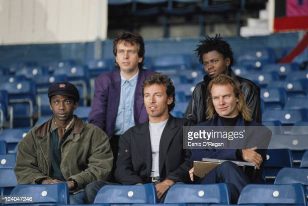 The lineup for the Human Rights Now benefit concert for Amnesty International 1988 From left to right Peter Gabriel and Tracy Chapman Youssou N'Dour...