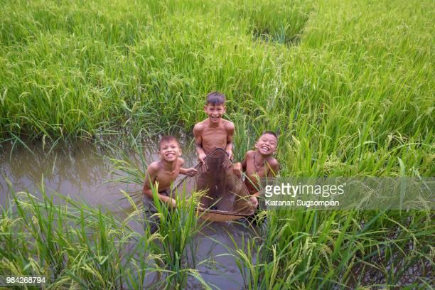 the little fishermans - ラオス ストックフォトと画像