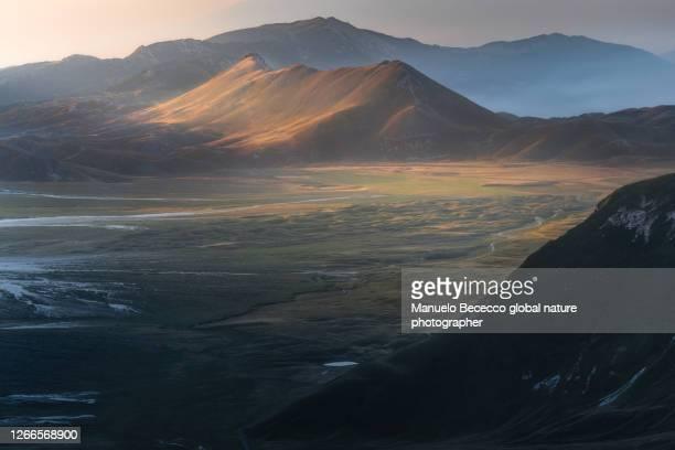 the little tibet - parco nazionale del gran sasso e monti della laga foto e immagini stock
