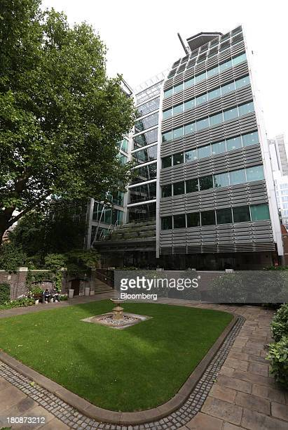 The Lloyds Banking Group Plc headquarters are seen in London UK on Tuesday Sept 17 2013The UK government made about 60 million pounds in profit on a...