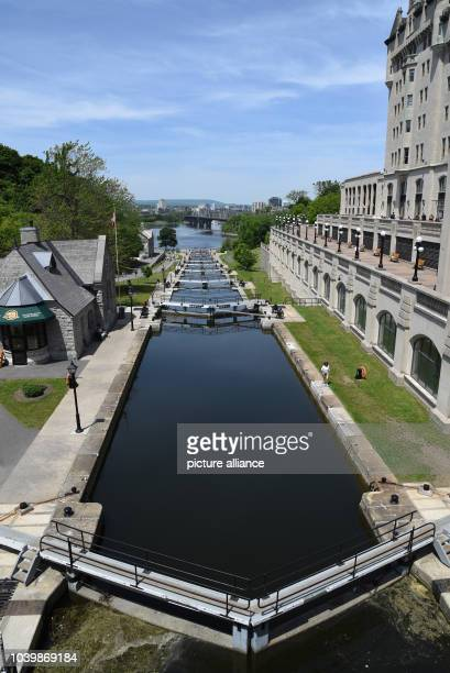 The lock that brings boats from the Rideau Canal to the Ottawa River in Ottawa, Canada, 15 June 2015. Photo:CARMENJASPERSEN/dpa | usage worldwide