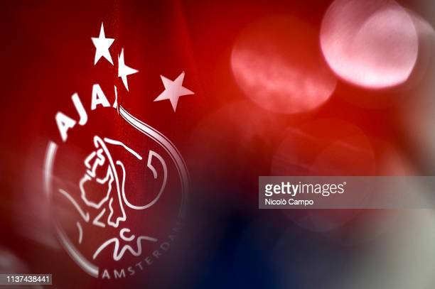 145 Ajax Amsterdam Logo Photos And Premium High Res Pictures Getty Images