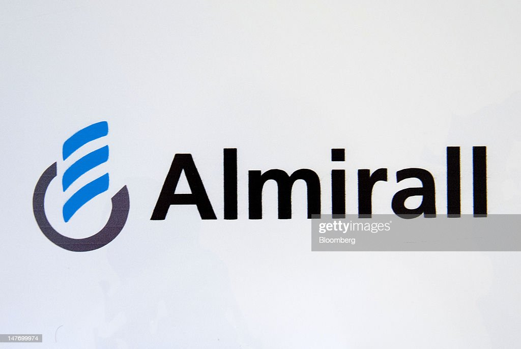Pharmaceutical Production At Spanish Drug Maker Almirall SA : News Photo