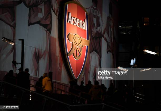 5 162 Arsenal Logo Photos And Premium High Res Pictures Getty Images