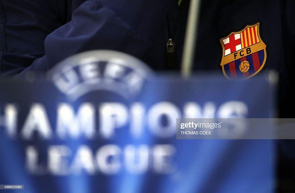 FBL-EUR-C1-APOEL-BARCELONA-PRESSER : News Photo