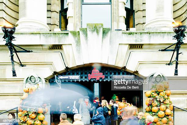 the london dungeon - dungeon stock photos and pictures