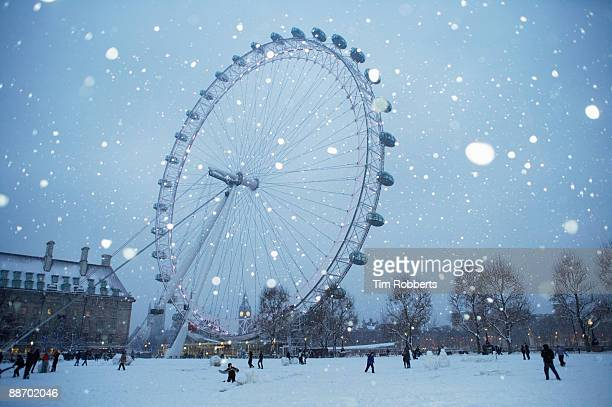The London eye in the snow