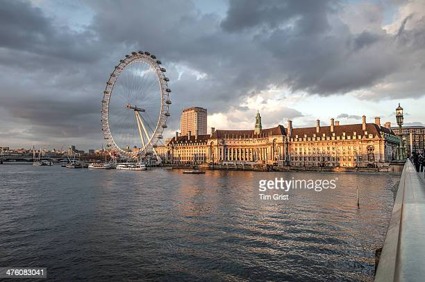 CONTENT] The London Eye viewed from Westminster Bridge