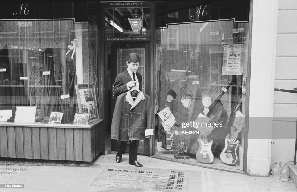 The Beatles' Tailor : News Photo