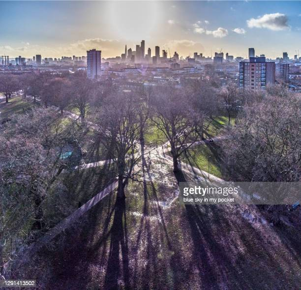 the london skyline form london fields, hackney - east london stock pictures, royalty-free photos & images