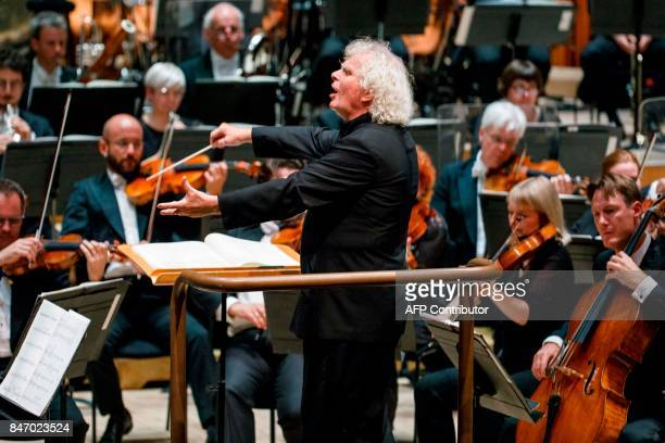The London Symphony Orchestra's Music Director, Simon Rattle conducts the LSO, playing a programme by Helen Grime, Thomas Ades, Harrison Birtwistle,...