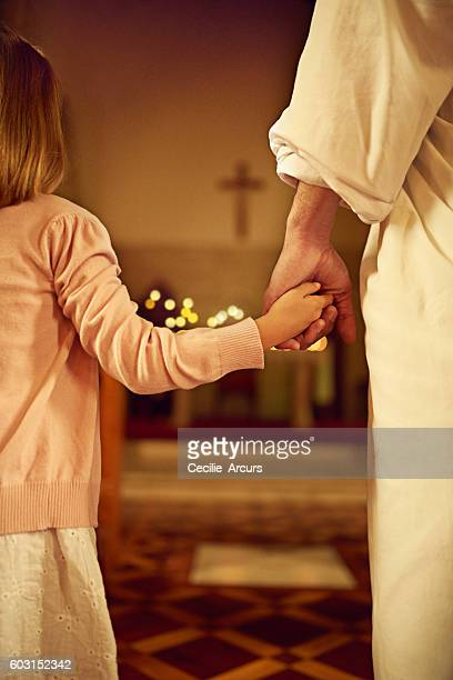 the lord is near to all who call on him - katholicisme stockfoto's en -beelden