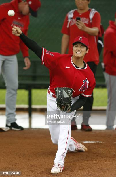 The Los Angeles Angels' Shohei Ohtani throws a bullpen session in Tempe Arizona on March 11 2020