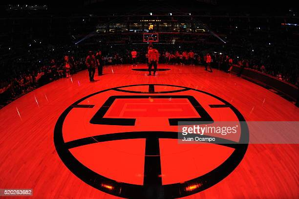 The Los Angeles Clippers before the game against the Dallas Mavericks on April 10 2016 at STAPLES Center in Los Angeles California NOTE TO USER User...