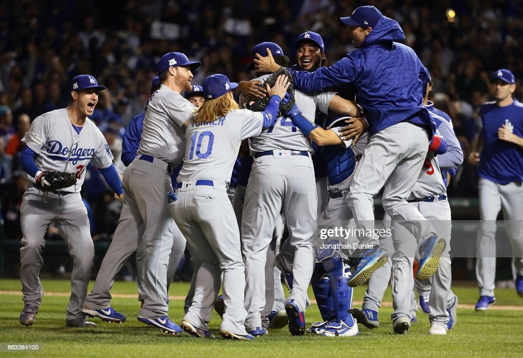 League Championship Series - Los Angeles Dodgers v Chicago Cubs - Game Five : News Photo