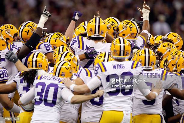 The Louisiana State University Tigers huddle up before playing against the Alabama Crimson Tide in the 2012 Allstate BCS National Championship Game...
