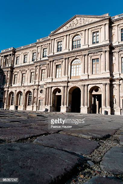 the louvre museum, paris, france - cour carree stock pictures, royalty-free photos & images