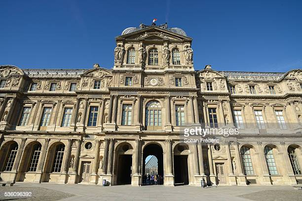 the louvre palace in paris - cour carree stock pictures, royalty-free photos & images