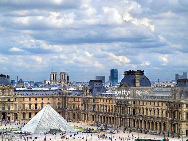 the louvre - musee du louvre stock pictures, royalty-free photos & images