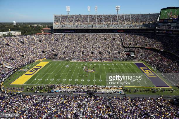The LSU Tigers play the Arkansas Razorbacks at Tiger Stadium on November 11, 2017 in Baton Rouge, Louisiana.