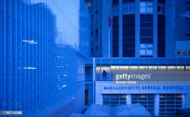 The Lunder Building at Massachusetts General Hospital is pictured on May 27 2015 in Boston At left the third floor of the Lunder Building is the...