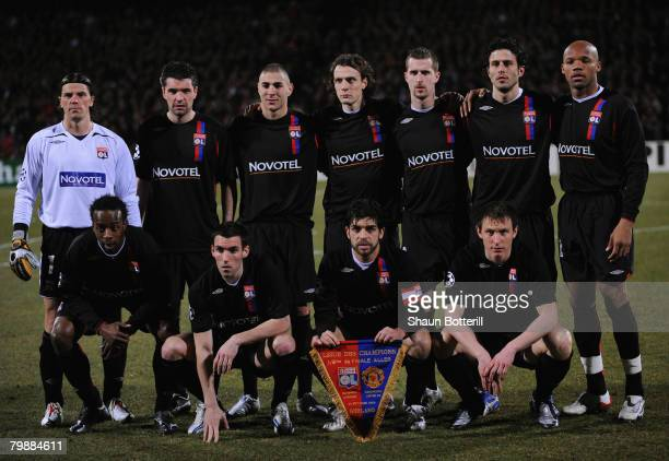 The Lyon team line up prior to the UEFA Champions League first knockout round, first leg match between Lyon and Manchester United at the Stade...