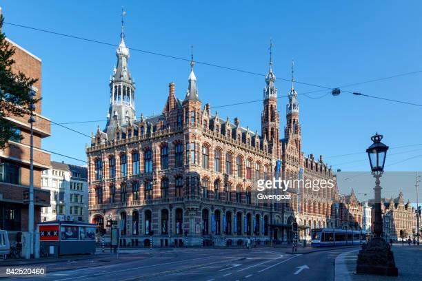 de magna plaza in amsterdam - gwengoat stockfoto's en -beelden