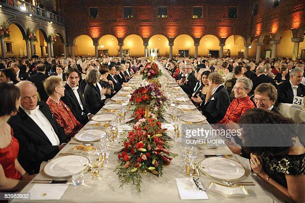 The main banquet table is pictured during the meal at the cityHall of Stockholm 10 December 2008 following the Noel prize awards Nobel laureates all...
