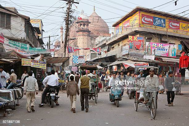 the main bazaar in agra, uttar pradesh, india - agra jama masjid mosque imagens e fotografias de stock
