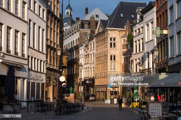 The main shopping street in the city of Antwerp, as well as the Town Hall Square, have remained deserted by customers and tourists since the curfew...