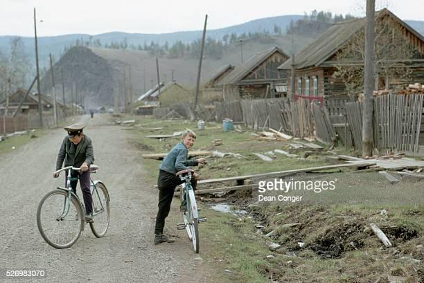The majority of buildings are made of wood in the logging village of Maloye Goloustnoye | Location Maloye Goloustnoye USSR
