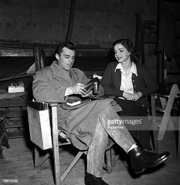 1952 The making of the film The gentle gunman two of it's stars pictured here are Elizabeth Sellars and Dirk Bogarde