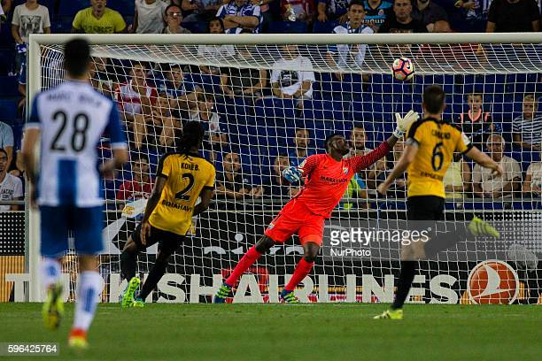 The Malaga goalkeeper Carlos Kameni trying to catch the ball during the first goal of Espanyol by Gerarnd Moreno During the RCD Espanyol Malaga CF...