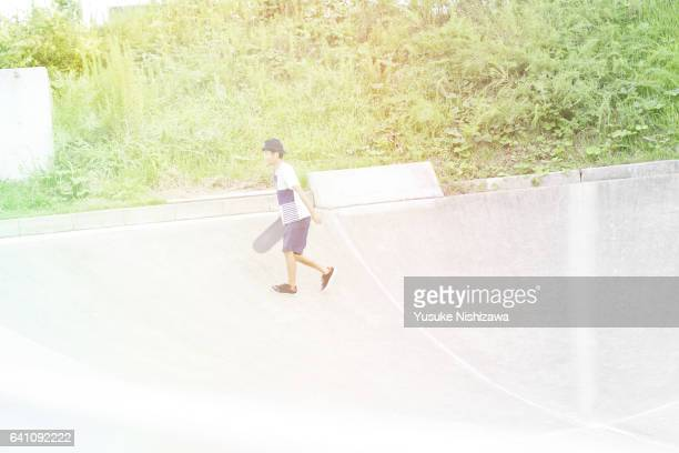 the man who practices a skating baud - yusuke nishizawa stock pictures, royalty-free photos & images