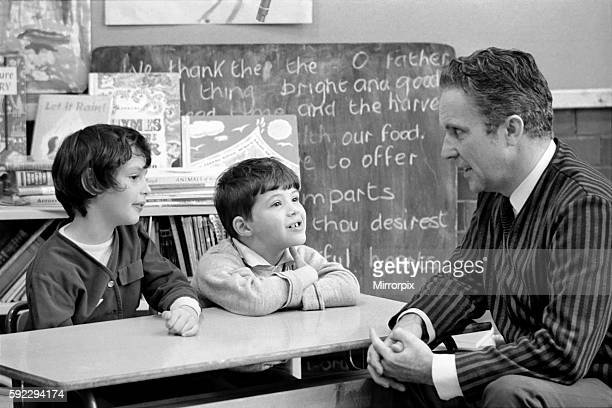 The man who talks to children, Harold Williamson pictured at Craven Park primary school, Castle Wood Road. October 1969 Z10427