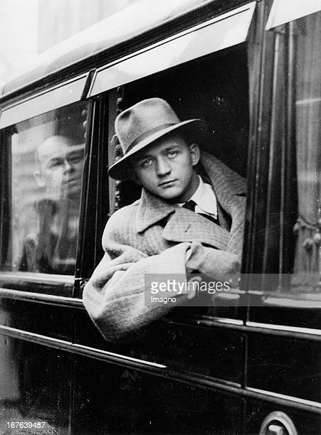 The manager of the soccer team Arsenal Herbert Chapman will visit the Austrian team until their play against England Photograph December 7th 1932 Der...