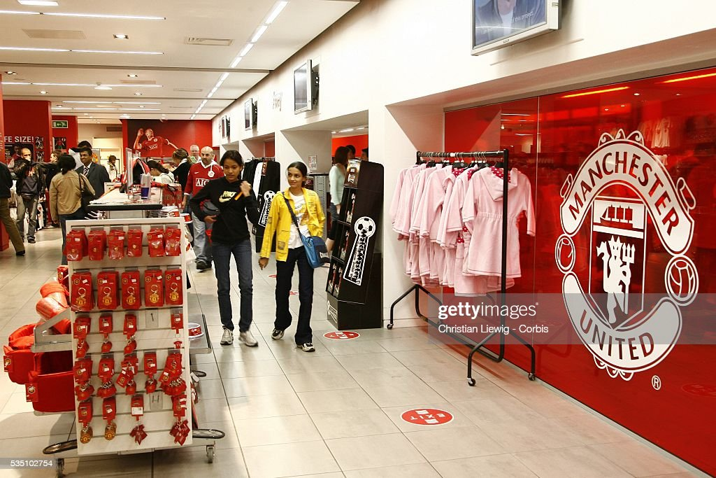 new style 7f344 2811e Ac Milan Store Premium Pictures, Photos, & Images - Getty Images
