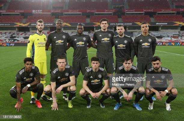 The Manchester United line up ahead of the UEFA Europa League Quarter Final First Leg match between Granada CF and Manchester United at Nuevo Estadio...