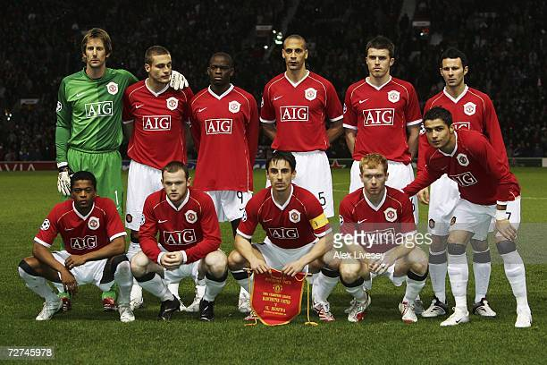 The Manchester United players line up for a team photo prior to the UEFA Champions League Group F match between Manchester United and Benfica at Old...