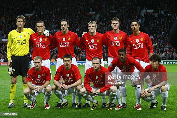 The Manchester United players pose for a team photo prior to the UEFA Champions League Quarter Final First Leg match between Manchester United and FC...