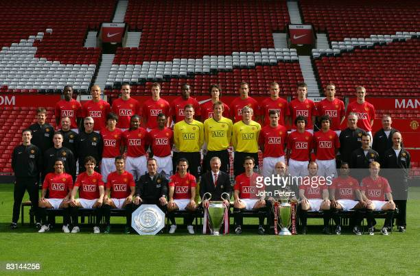 FEE*** The Manchester United squad pose during the club's official annual photoshoot at Old Trafford on September 23 2008 in Manchester England Back...
