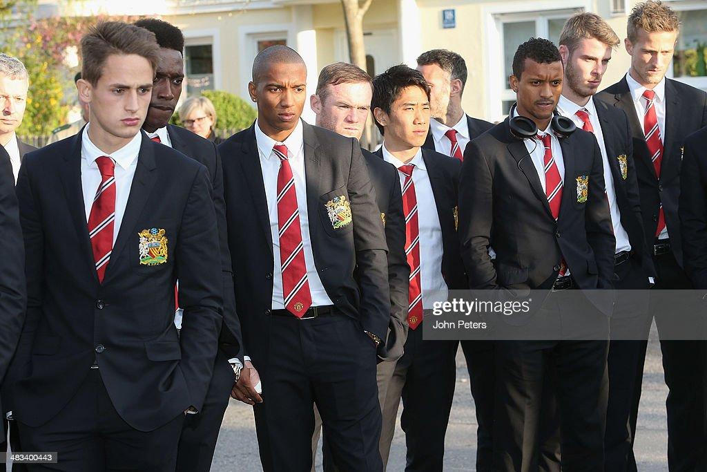 Manchester United - Visit Memorial To The Munich Air Crash : News Photo