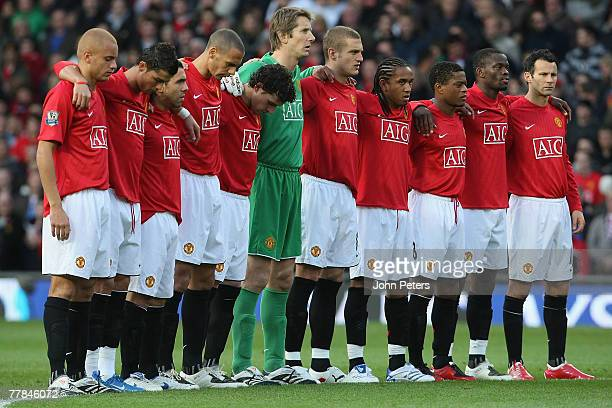 The Manchester United team line up ahead of the Barclays FA Premier League match between Manchester United and Blackburn Rovers at Old Trafford on...