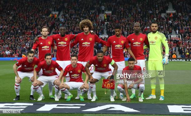 The Manchester United team line up ahead of the UEFA Europa League semi final second leg match between Manchester United and Celta Vigo at Old...